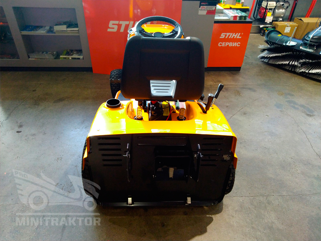 Садовый трактор Cub Cadet LT2 NR92
